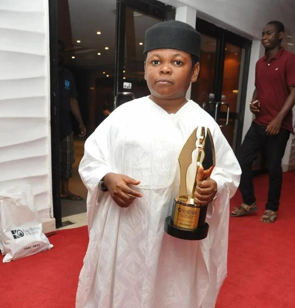 Osita Iheme with award
