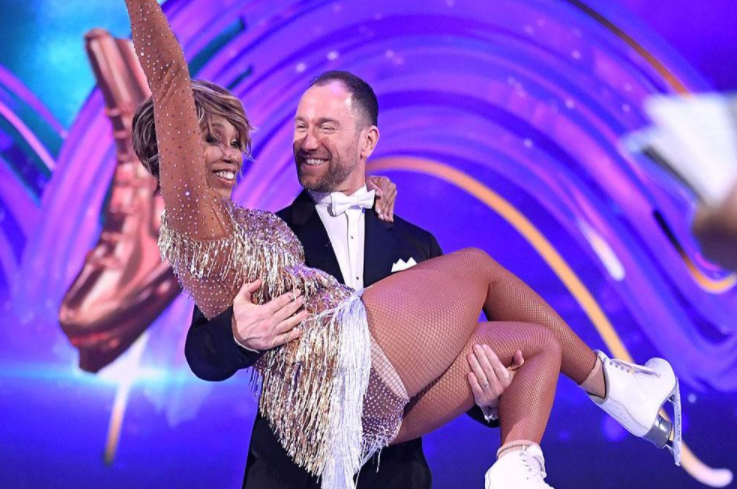 Trisha Goddard and her partner, Lukasz Rozycki in Dancing on Ice