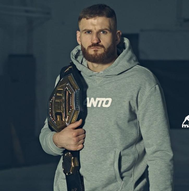 Jan Blachowicz with his UFC belt