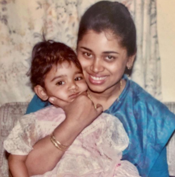 Sanjana Ganesan and her mom