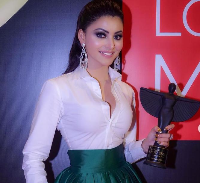Urvashi Rautela Holding Icon of the year Award