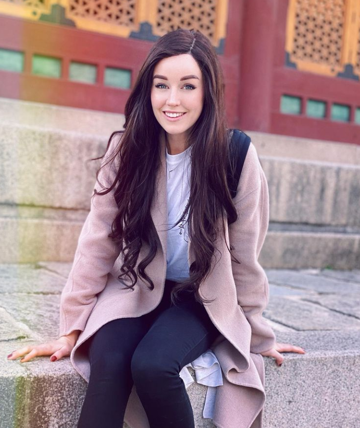 Clare Siobhan, an English gaming YouTuber