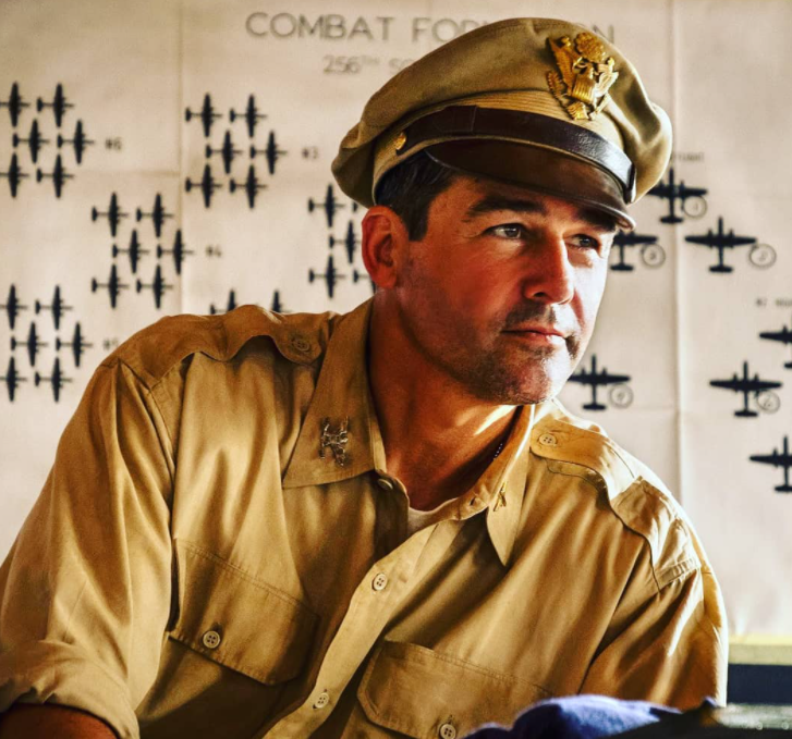 Kyle Chandler aas Colonel Cathcart in 2019 TV Shows 'Catch-22'