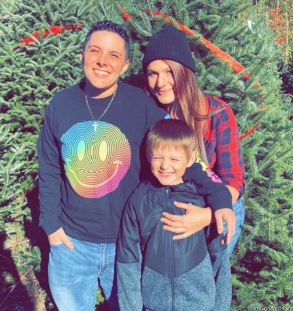 Rochelle Hager with his wife, Brittanie Lynn Ritchie and their son