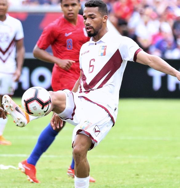 Professional Footballer, Yangel Herrera
