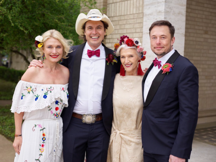 Maye Musk with her kids, Elon Musk, Kimbal Musk, and Tosca Musk