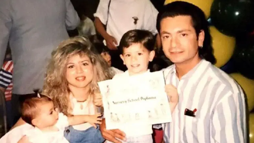 Victoria Caputo with her parents and her brother during her childhood