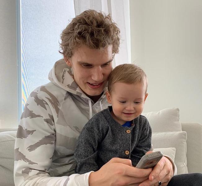Lauri Markkanen With His Son