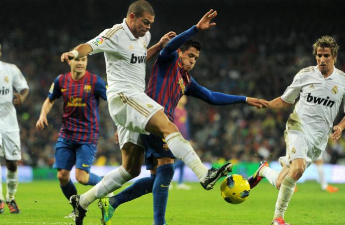 Pepe heading against the opponent