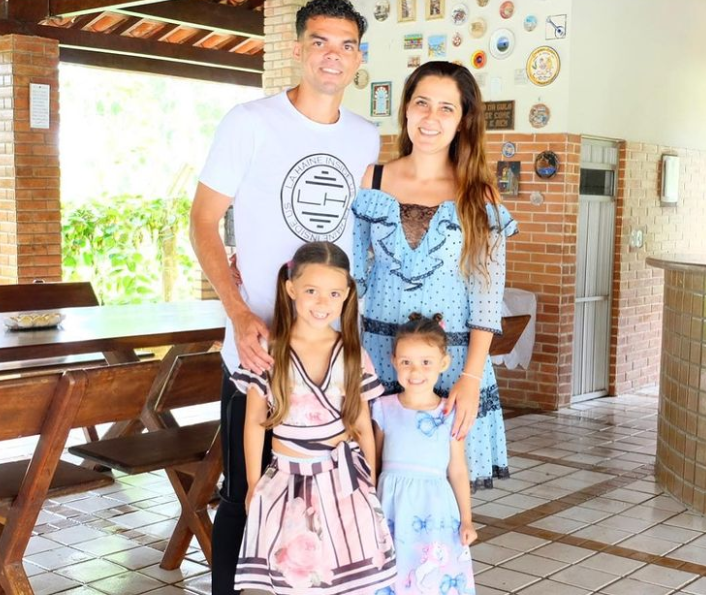 Pepe with his wife and kids