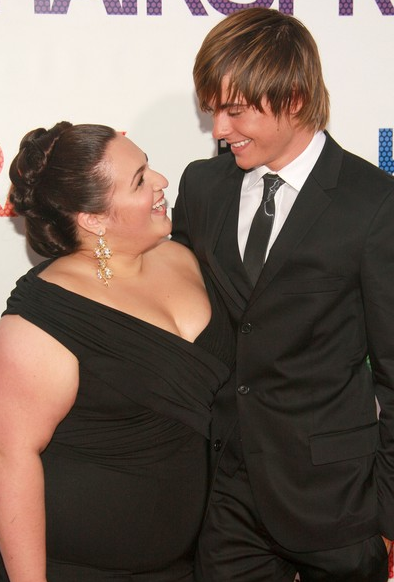 Nikki Blonsky and Zac Efron Rumors to be dating on the set of Hairspray