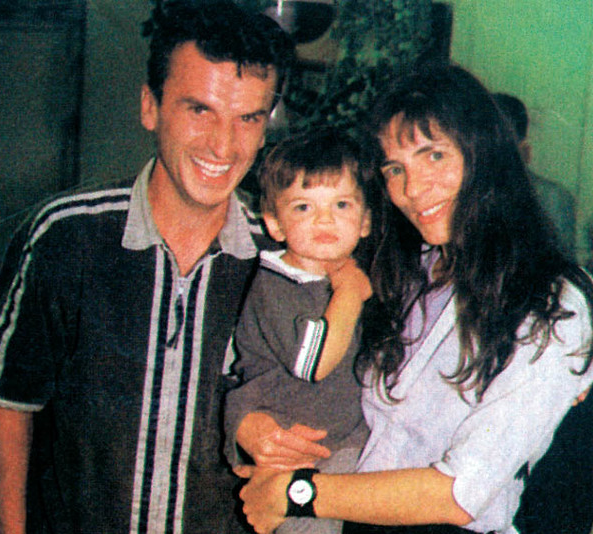 Mira Furlan with her husband, Goran and their kid