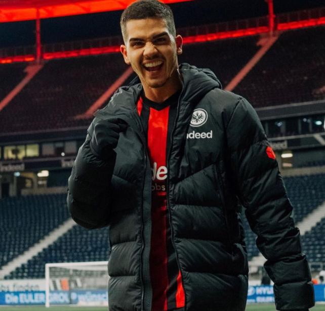 6 ft 1 in tall footballer, Andre Silva