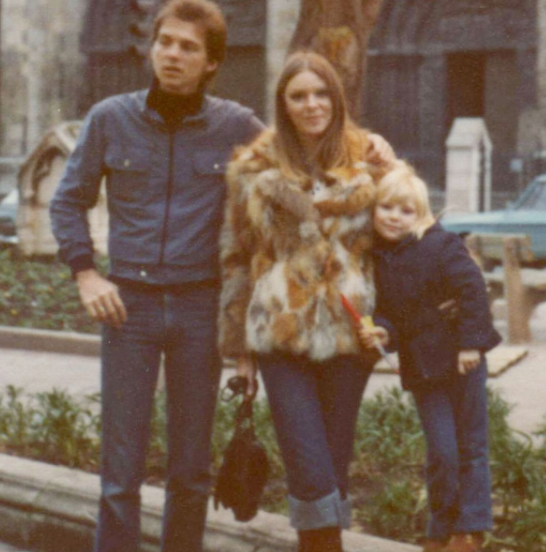 Young Samantha Womack with her parents